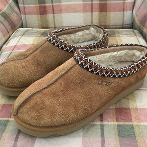 Ugg Tasman shoes M sz 9